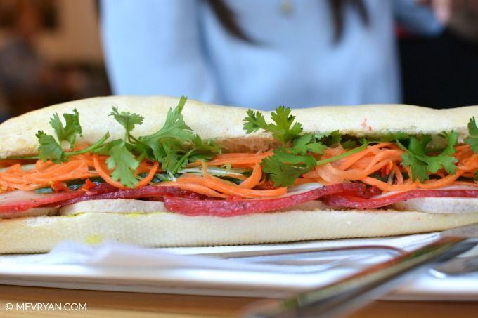 Vietnamees broodje dat je echt moet proberen! Super lekker! #tip #hotspot #restaurant #denhaag #vietnamees #bunh