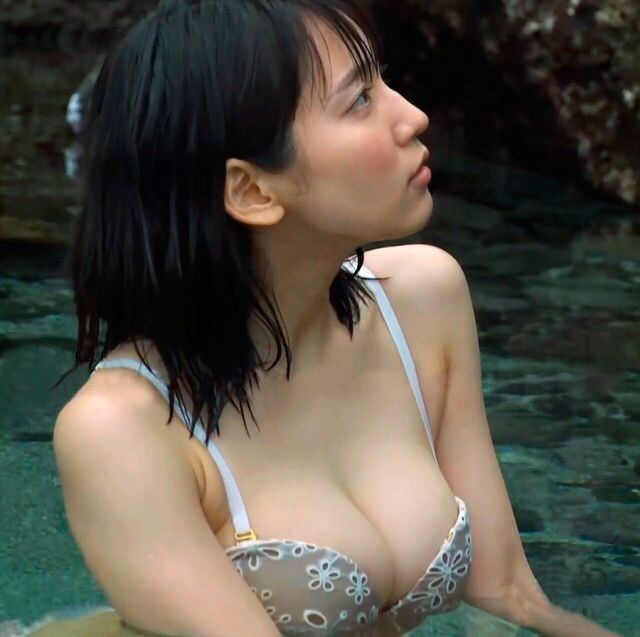 【画像】吉岡里穂の健康的なFカップがエロすぎるwwwwwwwwwww : 暇人\(^o^)/速報 - ライブドアブログ