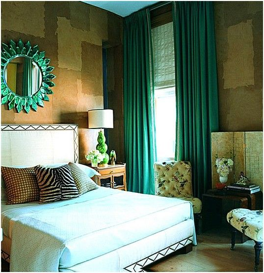 Изумрудные шторы в интерьере спальни. | Идеи для ремонта
