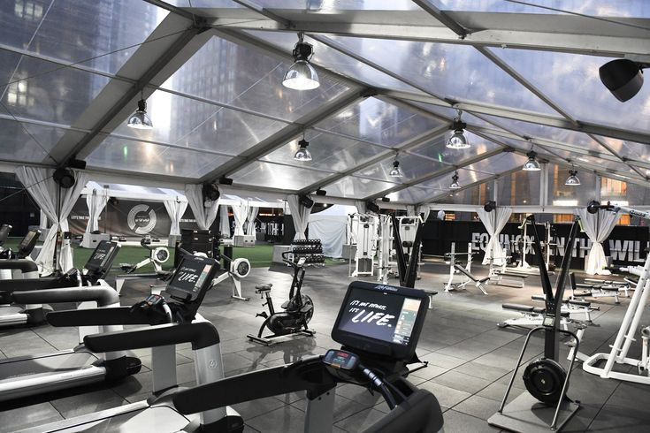Are Outdoor Gyms The Future Of Fitness Outdoor Gym Gym Open Air