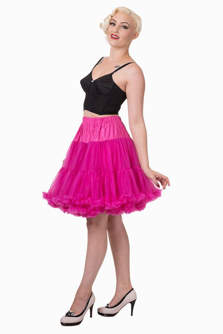 """Banned Hot Pink Spodnička k šatům 23"""" Spodnička ve stylu 50. let. Krásná šifónová spodnička k šatům s kolovou sukní, příjemná, měkká, dokonale pozvedne výraz šatů, bohatý objem, 2 nadýchané vrstvy a spodní sukně, 100% polyester, nádherná výrazná barva - sytě růžová. Vhodná pro kratší typy šatů. Délka cca 56 cm, lze upravit délku na cca 51 cm."""