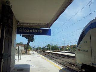 Ancora disattenzioni per i pendolari a Siracusa ed Alcantara, con l'orario estivo di Trenitalia da domenica 9 giugno. | Comitato Pendolari ME-CT-SR