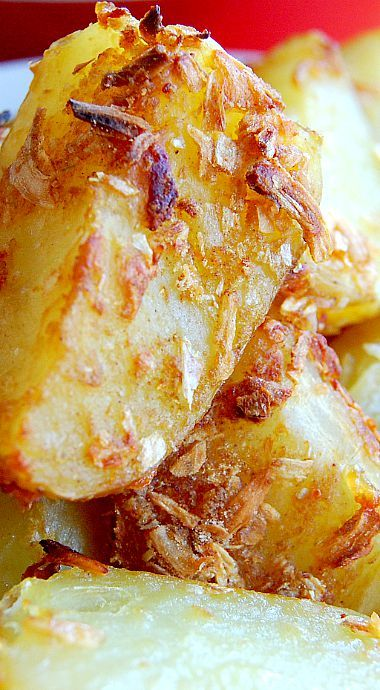 French Onion Roast Potatoes - These are, by far, the easiest, most flavorful potatoes you can serve as a side dish. Family approval rating is 5 stars! ❊