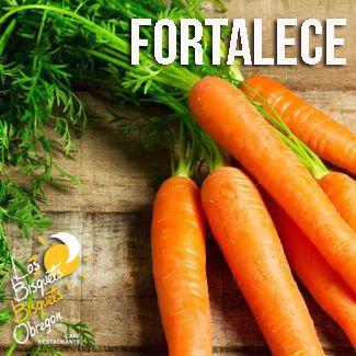 Comer zanahoria cruda fortalece los dientes y las encías; ayuda a combatir el estreñimiento y el dolor de estómago por intoxicación. Por su elevado contenido en agua, es diurética y ayuda a la desintegración de los cálculos renales. #Beneficios #BisquetsObregón