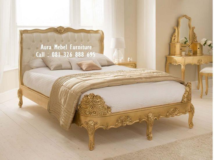 Tempat Tidur Mewah Cat Emas merupakan salah satu produk furniture set kamar terbaru dan merupakan salah satu produk furniture set kamar tidur unggulan