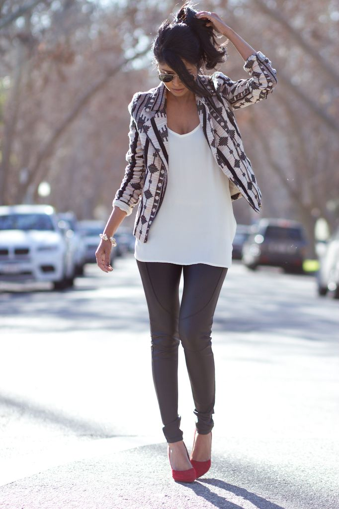 Patterned blazer, white tee, leather leggings and some heels or booties, cute!