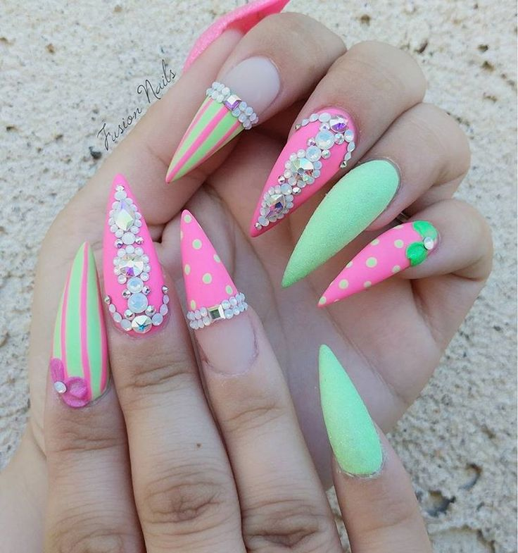 "215 August, 8 Kommentare – Jennifer Willett (Laure b) auf Instagram: ""Unicorn … – Nails"