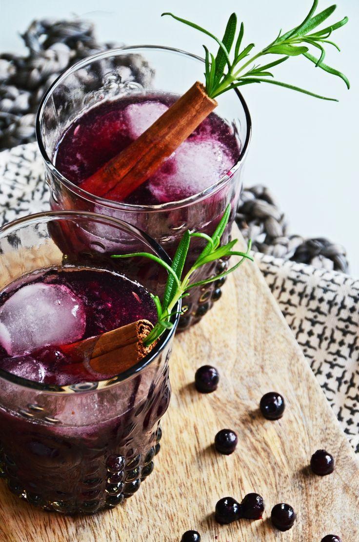Wintercocktail Rezept | Baubeeren Zimt Old Fashioned Blueberry Cinnamon | luzia pimpinella