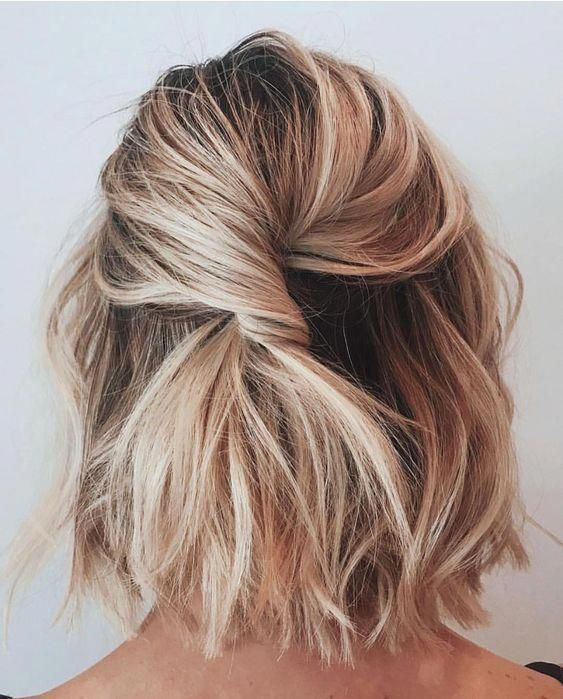 Blonde Bob Hairstyle Beach Blonde Balayage Easy Every Day Curly Wavy Hair Styles | #easyhairstyles #hair #hairstyles #blondehair