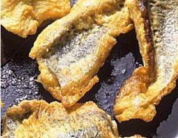FRITTI con la funzione CRISP!!  Impanare nella farina; Mettere l'olio nel piatto Crisp e riscaldarlo per 2,50 min con la funzione Crisp. Aggiungere la carne e cuocere per 7 o 8 minuti con la funzione Crisp. Girare a metà cottura. Sfornare e mettere ad asciugare sulla carta assorbente.