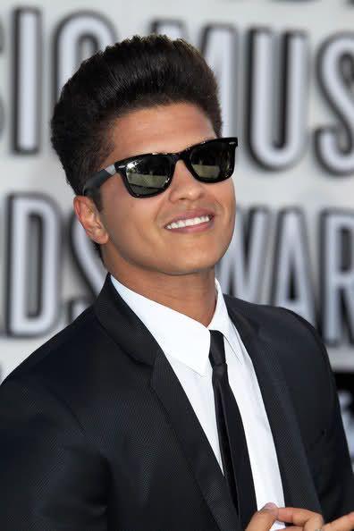 Ray ban Sunglasses on Bruno Mars