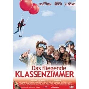 "Das fliegende klassenzimmer (2003) (ook: Het vliegende klaslokaal)    gebaseerd op ""Das fliegende klassenzimmer"" (1933) van Erick Kästner.    Filmkeuring: onbekend    http://www.ikvindlezenleuk.nl/2012/12/kinderboekenfilms-op-maandag-31-december.html"