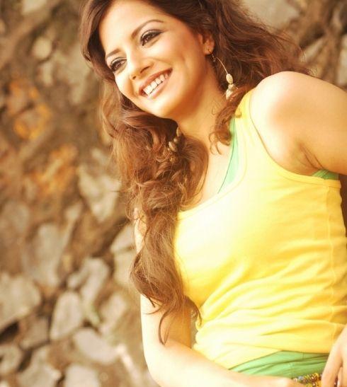 Bollywood Actress Ishita Sharma Wallpapers