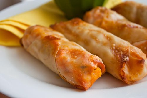 Buffalo Chicken Rolls | Can You Stay For Dinner?: Rolls Yum, Eggs Rolls, Chicken Wraps, Recipe, Buffalo Chicken Rolls, Rolls Thes, Rolls Sound, 100 Calories, Chicken Yummm