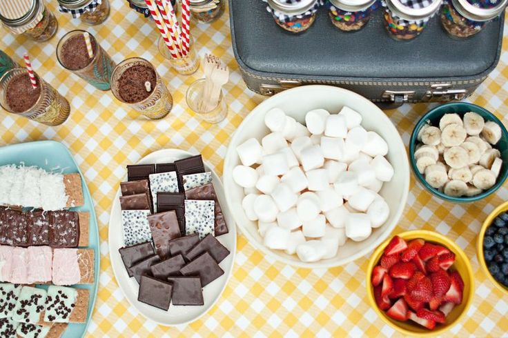 s'mores assembly table