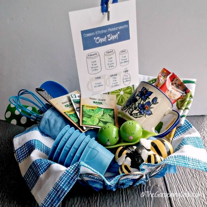 25 best ideas about kitchen gift baskets on pinterest basket ideas