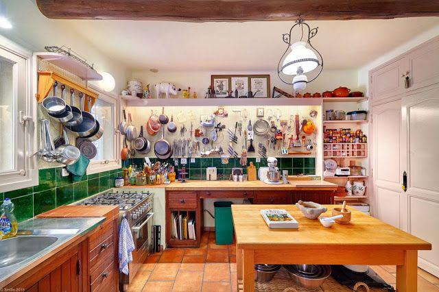 Depósito Santa Mariah: Casa De Campo Francesa Da Chef Julia Child!