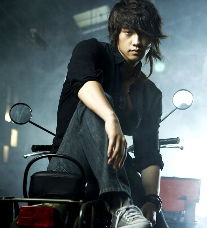 NO 35 of DramaFever's 50 best pics of Rain.