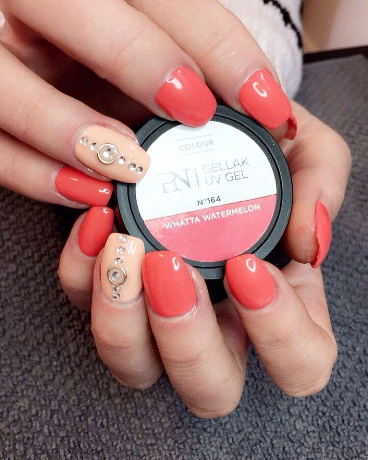 Ny färg på salongen! Ljuvlig!! #adelesnagelmakeri #pronails #nails #naglar #nailart #naildesign