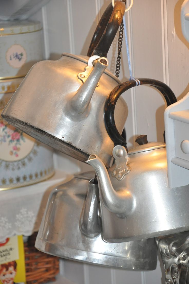 My grandmother had a huge tea kettle like this.  There was no hot water heater in the house and all water had to be heated on the gas stove. And all the water came from a cistern that collected rainwater.