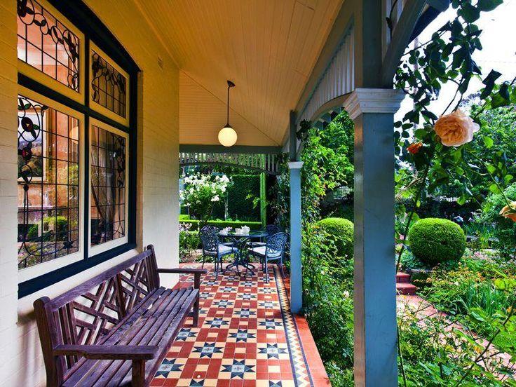 Australian Federation Architecture - Original tiled verandah, leadlight windows, verandah frieze