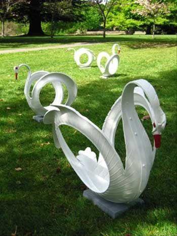 10 Proyectos DIY para decorar el jardín con objetos reciclados.
