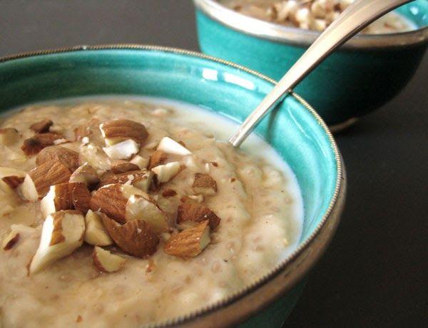 Oat, chia, vanilla and coconut porridge Yoga in Yamba...