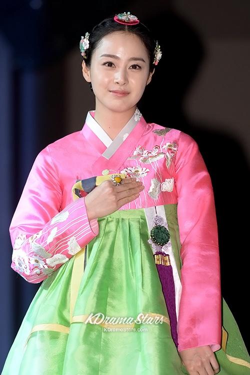 """Kim Tae Hee in """"Jang Ok Jung"""""""