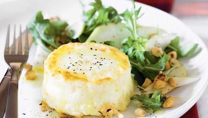 Próbowałeś już pieczonego sera koziego z glazurowaną gruszką? Zapraszamy do Ziemiańskiej :) www.ziemianska.pl