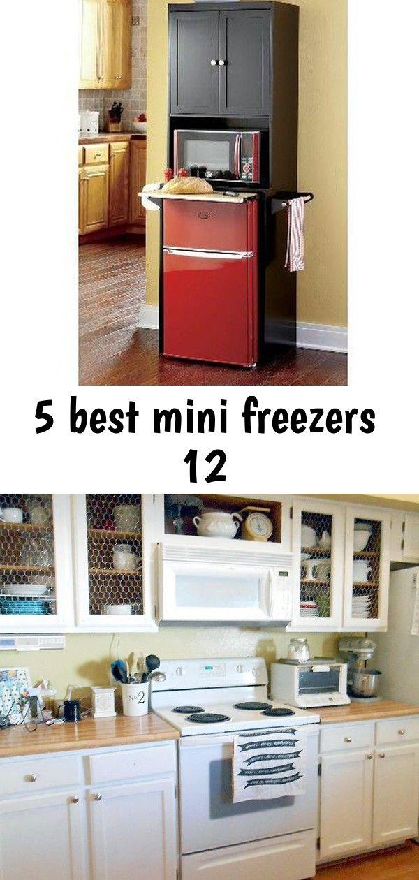 Small Space Saving Kitchen Gadgets For Tiny Houses Chicken Wire And White Kitchen Cabinets Ausgezeichnet Grune Kuchenschran Kitchen Home Decor Kitchen Cabinets