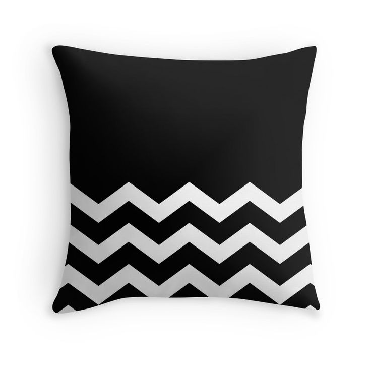 Beautiful Cushions/Chevron/Black and White