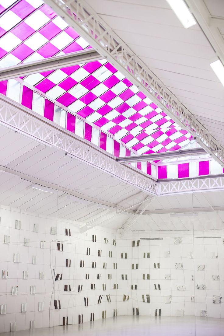 riachistudio:  Always inspired by Daniel Buren's geometrical and minimalist approach to art.