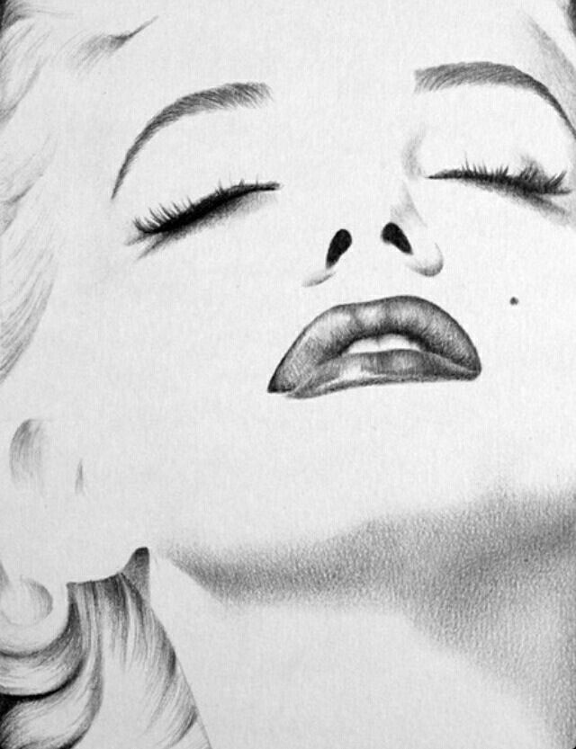 Amazing Marilyn Monroe drawing