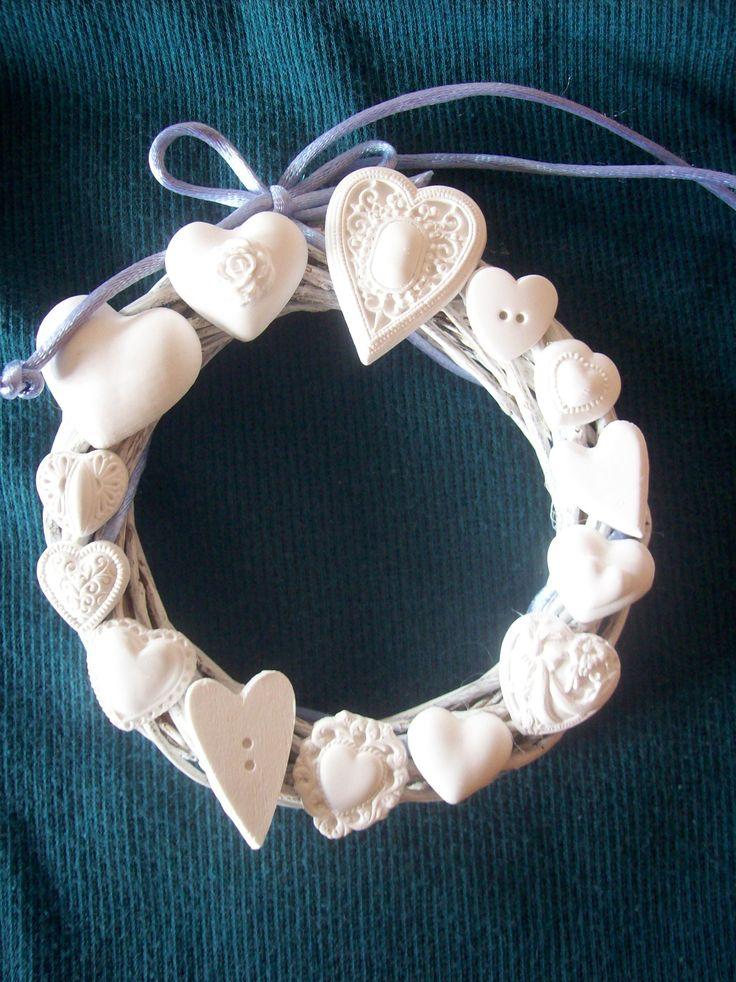 "Ghirlanda ""14 cuori"", da profumare.  ""14 hearts"" wreath, to be scented."