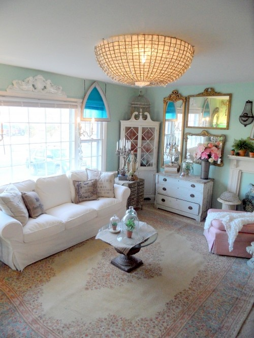 gorgeousDecor Ideas, Lights Fixtures, Family Rooms, Room Ideas, Eclectic Families, Cottage Living Rooms, French Cottages, Families Room, Cottages Living Room