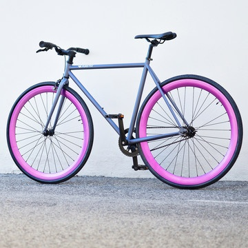The Alfa Fixie bicycle by Pure Fix Cycles // love the colour combo! #productdesign