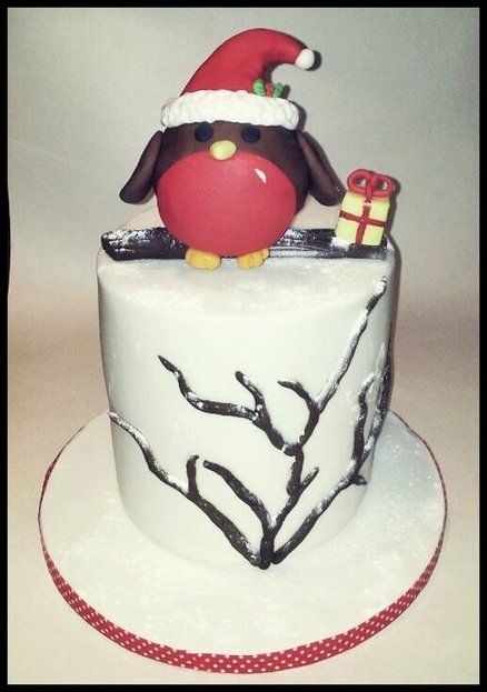 Christmas Robin Cake by timefortiffin