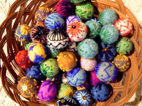 JEWELRY FELTED BEADS .   * For accessories , jewelry, toys ,decorations ...  100 % Wool , hand felting .  They are hand embroidered with