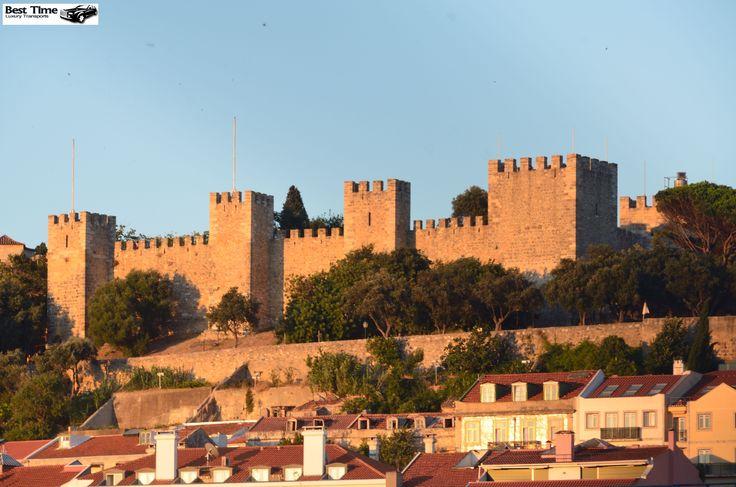 Castelo de São Jorge, venha conhecer este monumento nacional da antiga cidadela medieval Lisboeta.
