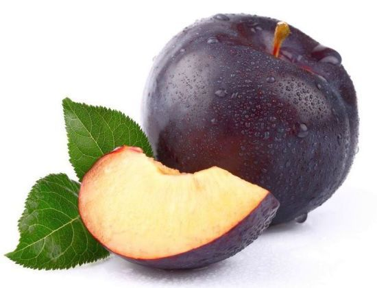 Plum is a juicy and delicious fruit belonging to the genus Prunus of Rosaceae family which also entails peach, apricots and nectarines. It exists in diverse colors and shapes with over 2000 different varieties. Health benefits of plums include relief from indigestion, influenza infections and anxiety-related problems.