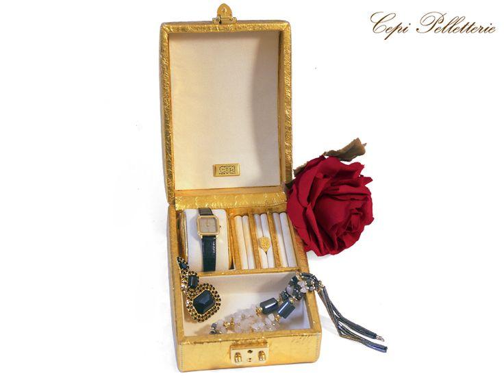 #jewelbox #jewel #bijoux #leather #gold #gift #CepiPelletterie #Christmas #Natale #portagioie