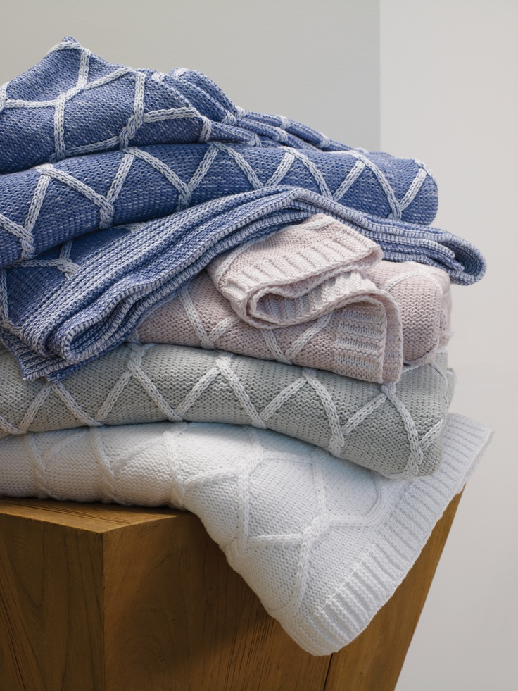 Orazio all cotton knit throw in four colors. By SFERRA.