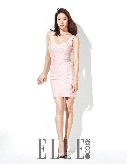 Jeon Hye Bin Poses for Elle Korea | Koogle TV