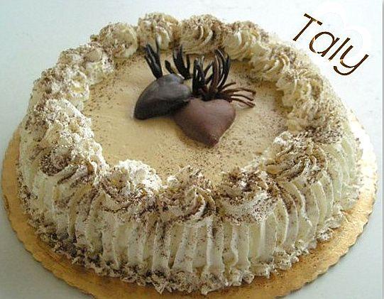"""TORTA """"CUORI TRA LE NUVOLE"""" #Pandispagna al #cacao farcito con crema al #caffè e…"""