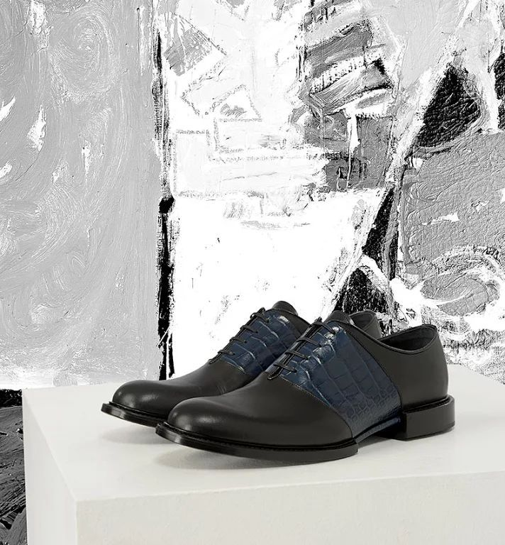 The Best Men's Shoes And Footwear :   Foto: Superior quality leather, exceptional Italian craftsmanship and undeniable… versace #versace #men #menshoes    - #Men'sshoes