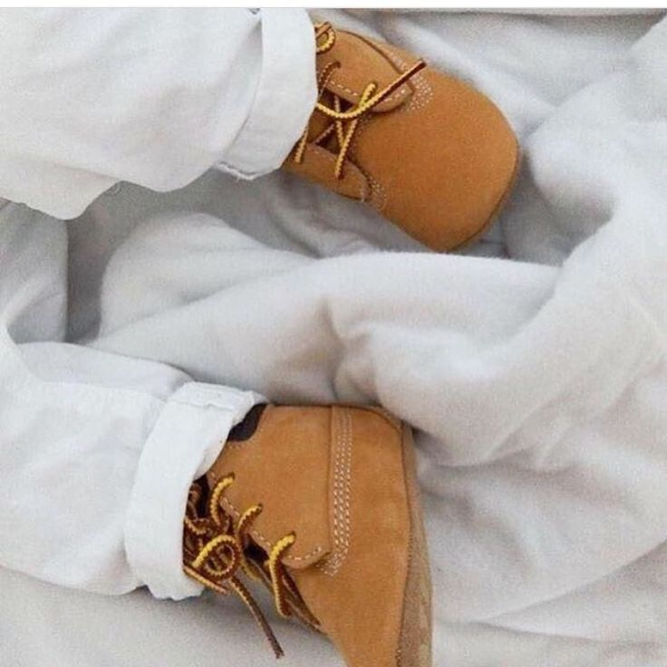 No need to wait for Timberlands. Your bubba can have their very own baby version. Just too cute. credit @timberland_australia  _____________________________________________ #winterdays #styledaily #winterstyle #lotd #timberlands #timberland #timberlandboots #babies #boots #bootlover