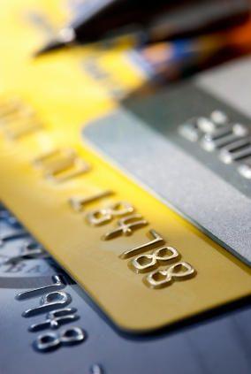 Złota karta kredytowa - prestiż w zasięgu ręki - http://e-finanse24.net/karty-kredytowe/zlota-karta-kredytowa-prestiz-w-zasiegu-reki/