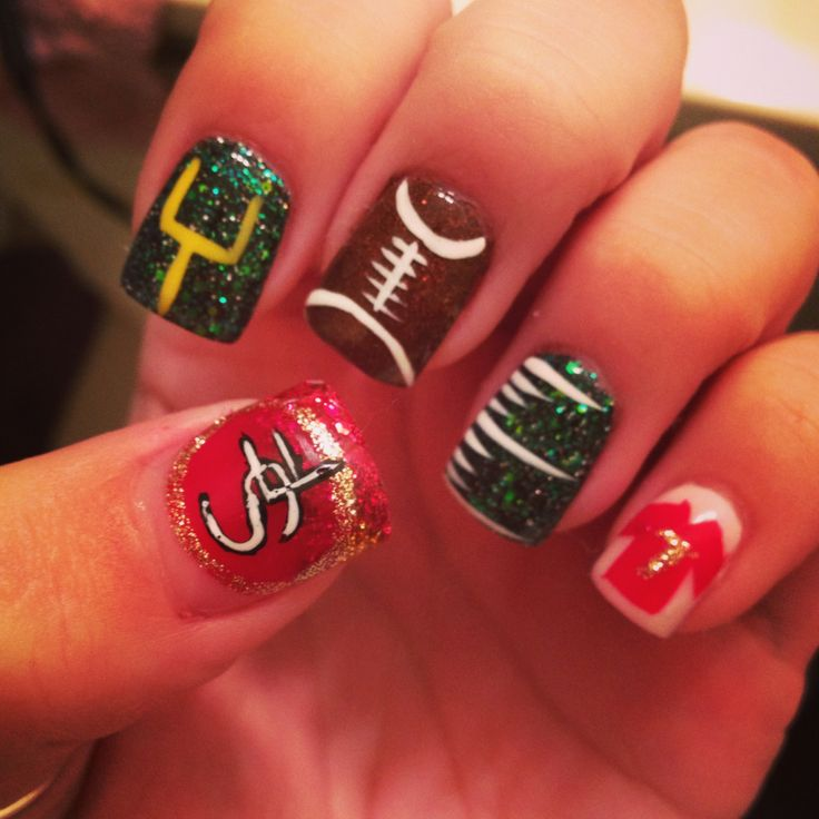 SF 49er football nail design , we'll have to change for the Broncos!