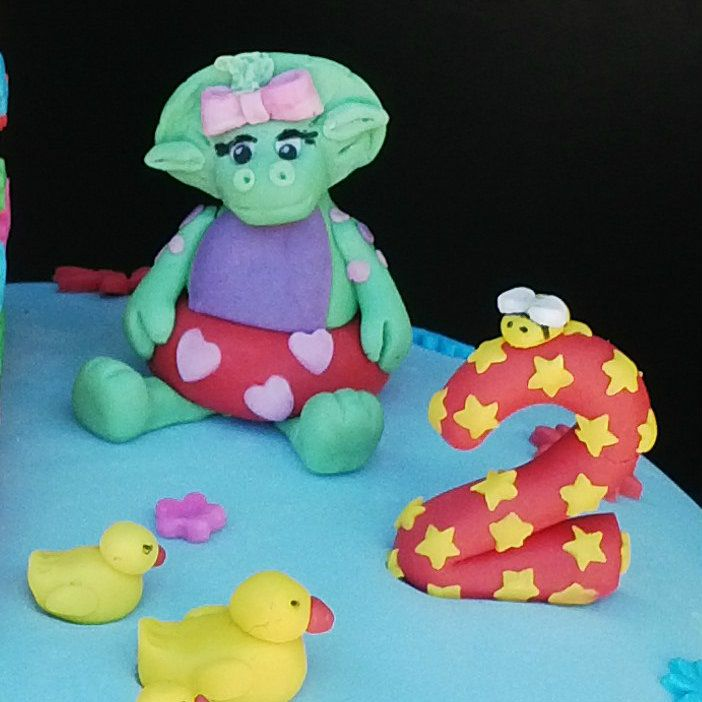 FONDANT BARNEY & FRIENDS BARNEY & FRIENDS CAKE Decor available for sale separately.  Delivery nationwide.  For more information & orders email SweetArtBfn@gmail.com or call 0712127786