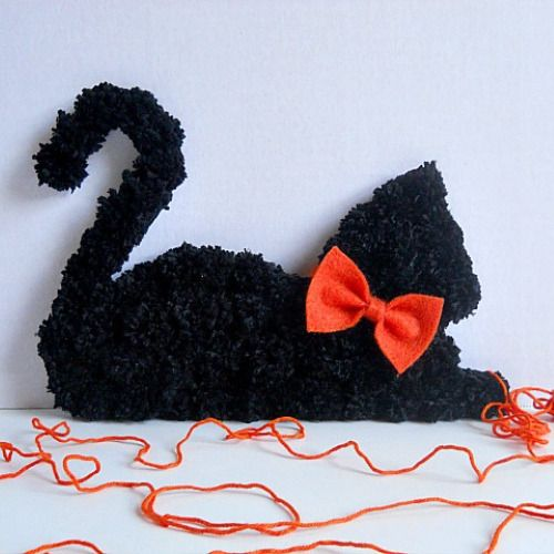 are you tired of scary halloween projects then break out your pom pom maker - Scary Halloween Crafts